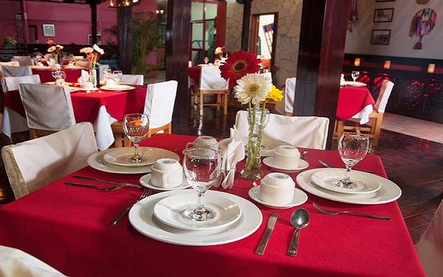 El restaurante La Pérgola te ofrece diversos platillos de la cocina italiana
