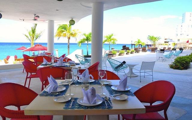 Hotel B Cozumel, Restaurante Costeñito Bistro