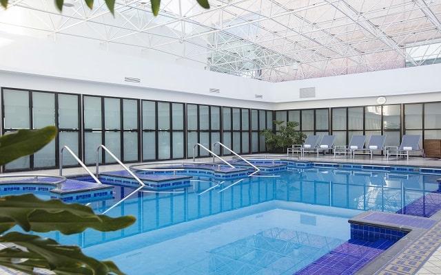Hotel Barceló México Reforma, disfruta de su alberca climatizada