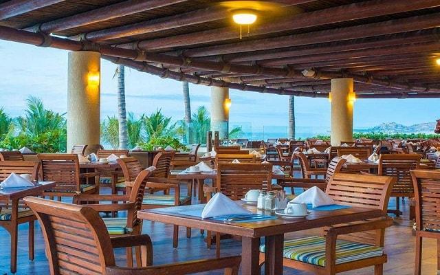 Hotel Barceló Gran Faro Los Cabos, amplio y variado menú para tus alimentos