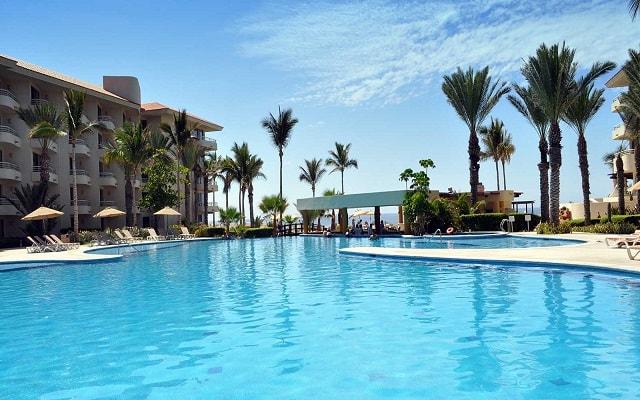 Hotel Barceló Gran Faro Los Cabos, refréscate en su alberca