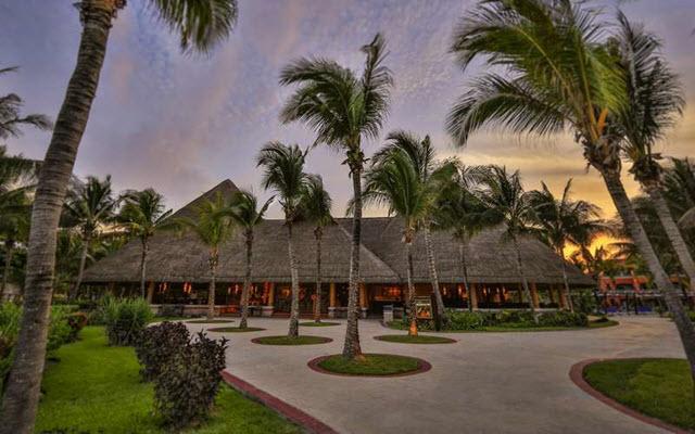 Hotel Barceló Maya Colonial, atención personalizada desde el inicio de tu estancia