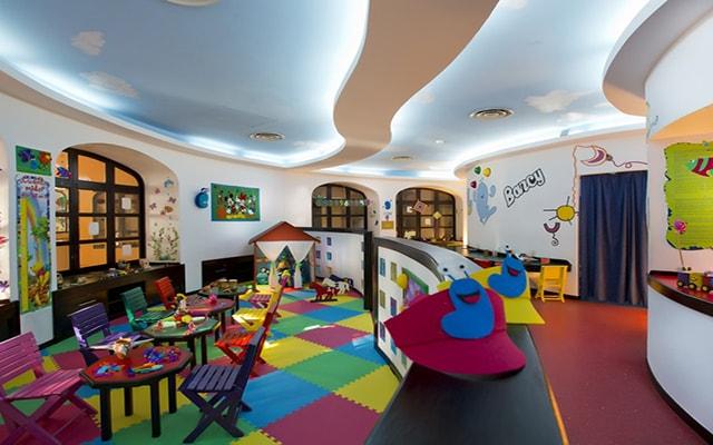 Hotel Barceló Puerto Vallarta, club de niños