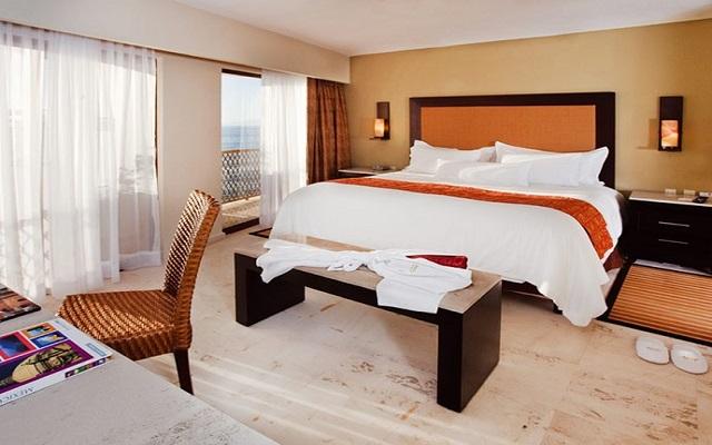 Hotel Barceló Puerto Vallarta, descansa en habitaciones de gran confort