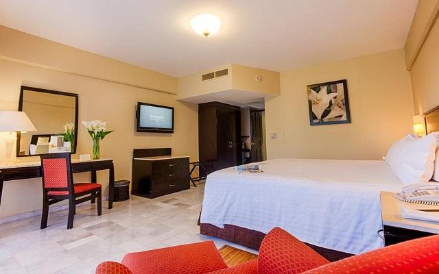 Hotel Barceló Puerto Vallarta, habitaciones amplias y luminosas