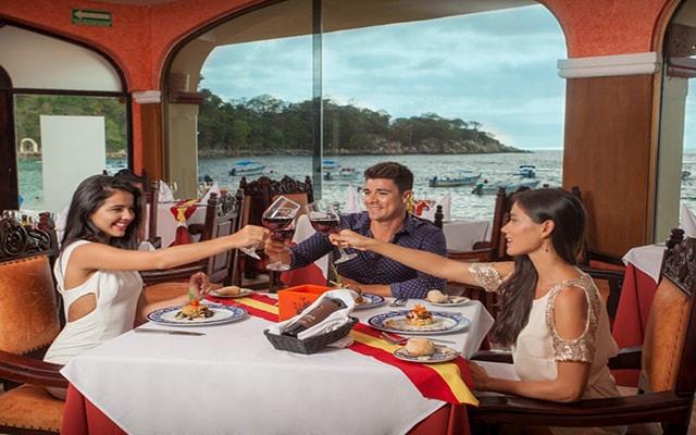 Hotel Barceló Puerto Vallarta, disfruta lindos momentos en buena compañía