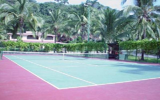 Hotel Barceló Puerto Vallarta, diviértete jugando tenis