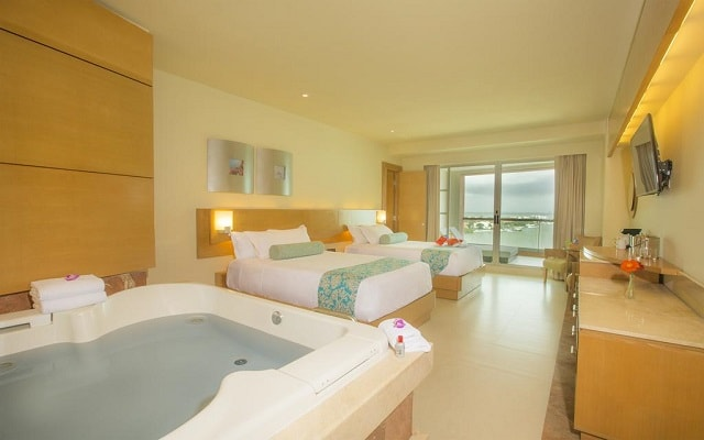 Hotel Beach Palace, disfruta el jacuzzi en la privacidad de tu habitación