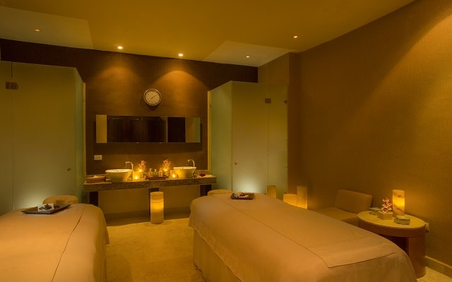 Hotel Beach Palace, disfruta un masaje en buena compañía