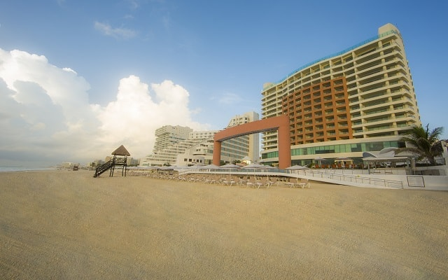 Hotel Beach Palace, buena ubicación