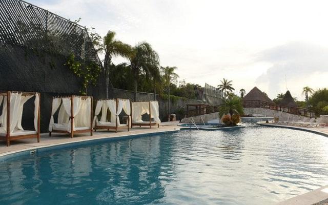 Hotel Bel Air Collection Resort & Spa Xpu-Ha Riviera Maya, refréscate en la comodidad de su alberca