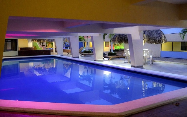 Hotel Best Western Brisa Coatzacoalcos, refréscate en su alberca