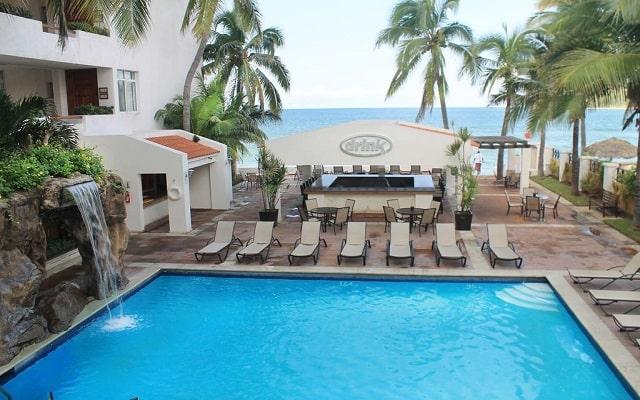 Hotel Best Western Posada Freeman Zona Dorada, disfruta de su alberca al aire libre