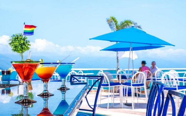 Hotel Blue Chairs Resort By The Sea, espacios perfectos para tomar una copa con una buena compañia