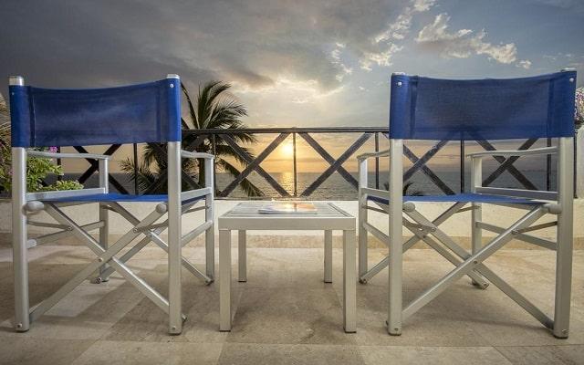Hotel Blue Chairs Resort By The Sea, enamorarte de sus bellos atardeceres