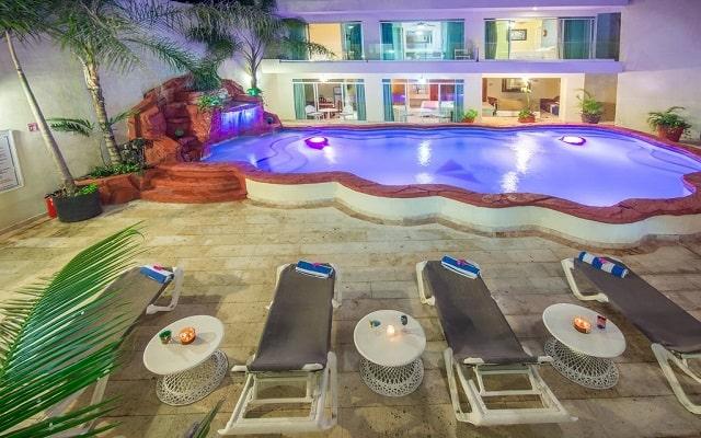 Hotel Blue Chairs Resort By The Sea, relájate en un camastro