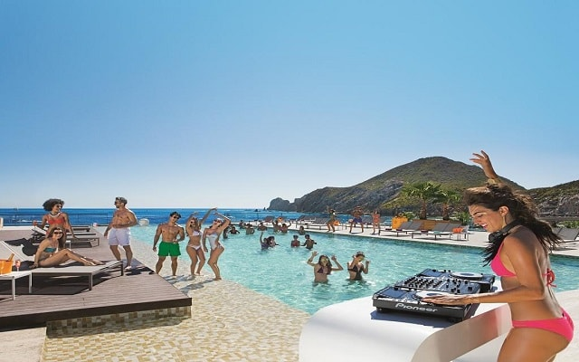 Hotel Breathless Cabo San Lucas Resort & Spa, disfruta eventos y fiestas durante tu estancia
