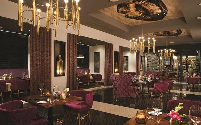 Hotel Breathless Riviera Cancún Resort and Spa, disfruta ricos platillos gourmet