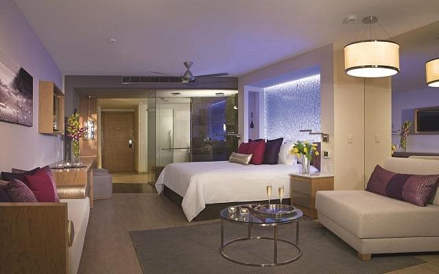 Hotel Breathless Riviera Cancún Resort and Spa, amplias y luminosas habitaciones
