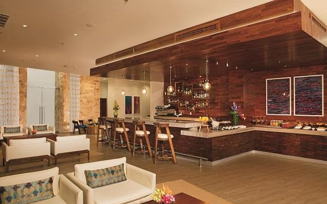 Hotel Breathless Riviera Cancún Resort and Spa, espacios de diseño