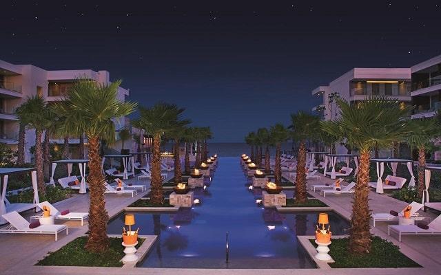 Hotel Breathless Riviera Cancún Resort and Spa, noches inolvidables