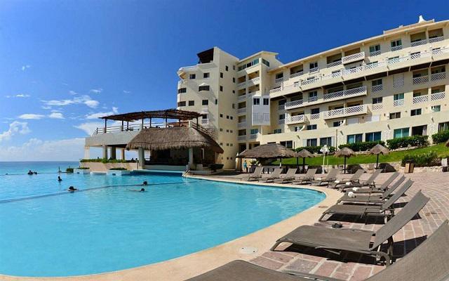 Hotel Bsea Cancún Plaza, disfruta de su alberca al aire libre