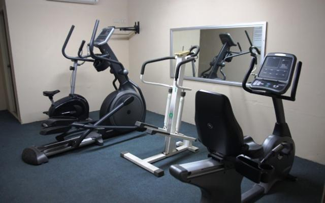 Hotel Bugambilia, gimnasio con buen equipamiento
