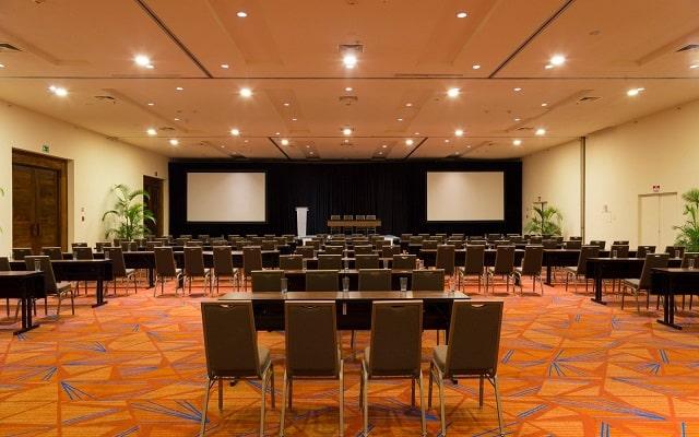 Hotel Buganvilias Resort de Puerto Vallarta, salones acondicionados como lo requieras