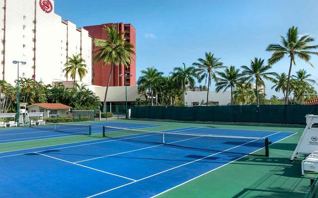 Hotel Buganvilias Resort de Puerto Vallarta, cancha de tenis