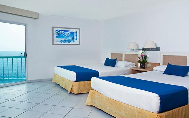 Hotel Calinda Beach Acapulco, habitaciones amplias y luminosas
