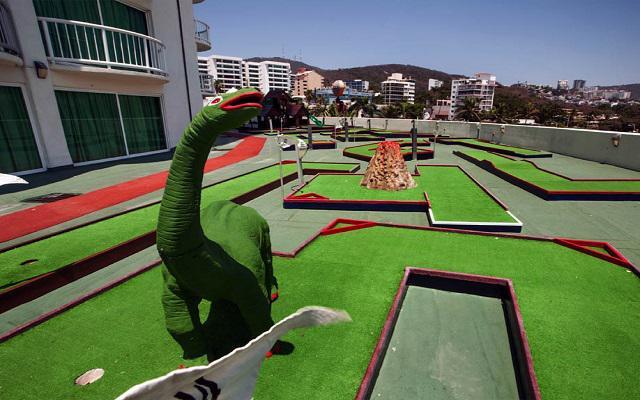 Hotel Calinda Beach Acapulco, divertidos momentos en el golfito