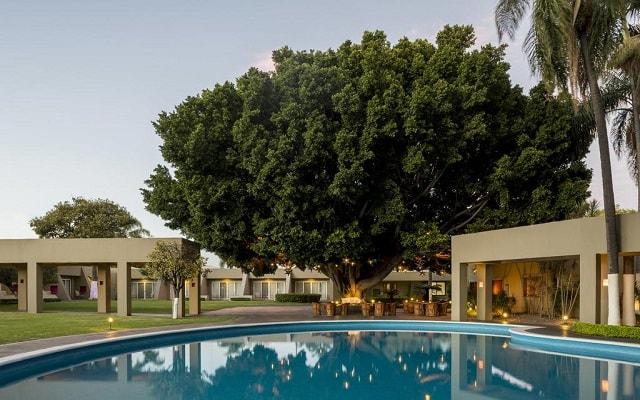 Hotel Camino Real Guadalajara, disfruta de su alberca al aire libre
