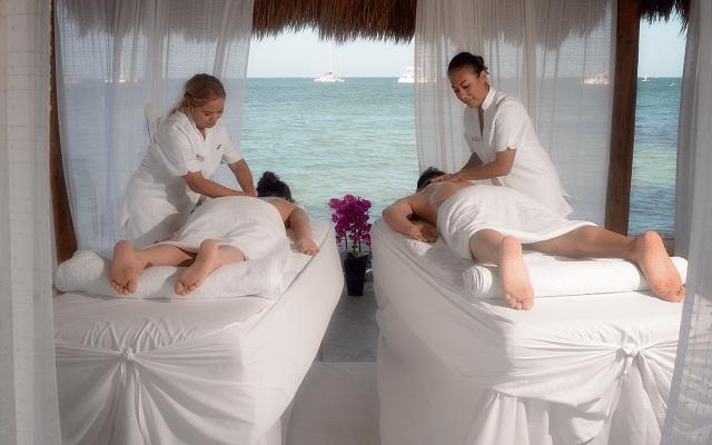 Hotel Cancún Bay Resort consiéntete con un masaje