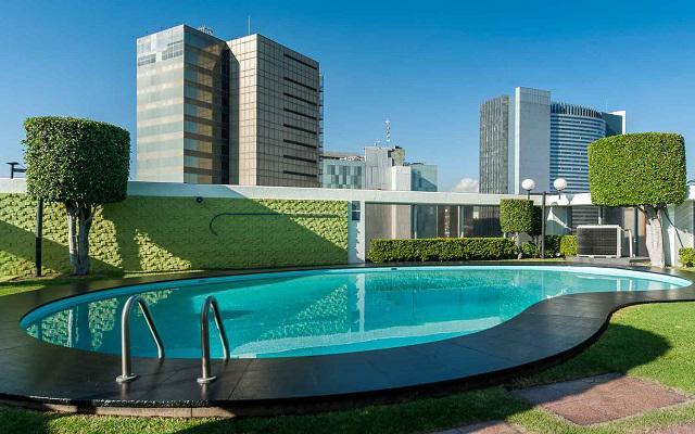 Hotel Casa Blanca by Reforma Avenue, asoléate en la alberca al aire libre