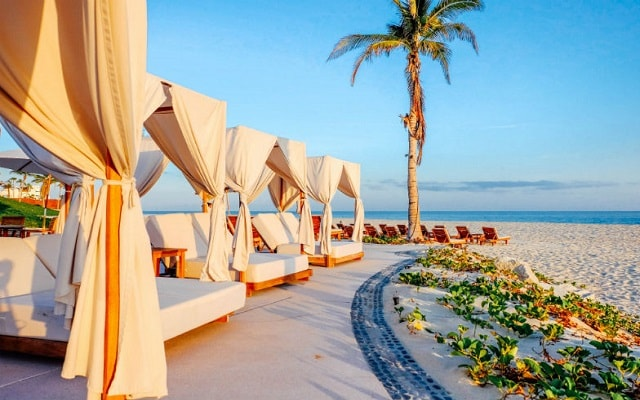 Hotel Casa del Mar Golf Resort & Spa, relájate en la comodidad de las camas bali