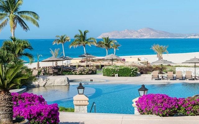 Hotel Casa del Mar Golf Resort & Spa, disfruta de su alberca al aire libre