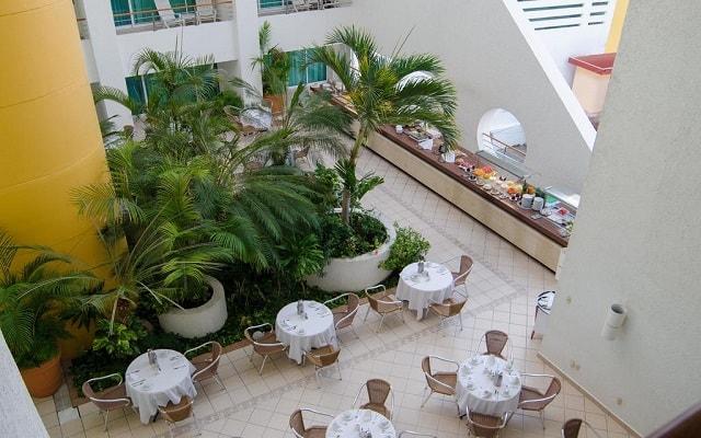 Hotel Casa Mexicana Cozumel, disfruta un rico menú en ambientes únicos