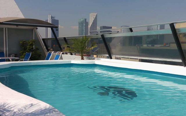 Hotel Century Zona Rosa, relájate en el área de la alberca