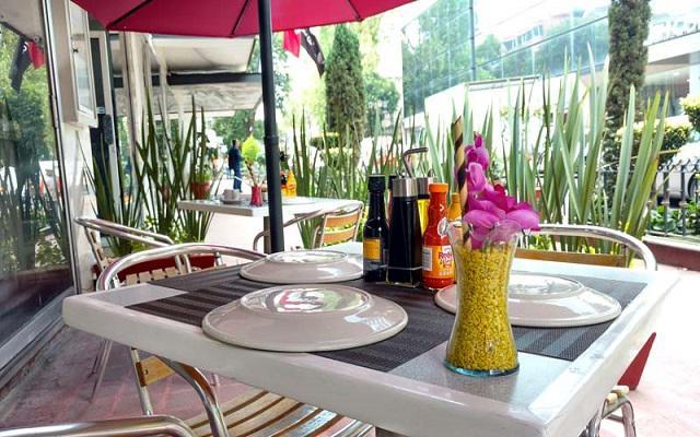 Hotel Century Zona Rosa, Restaurante Los Murales
