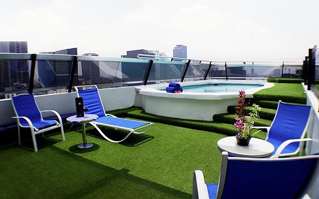 Hotel Century Zona Rosa, disfruta de su alberca al aire libre