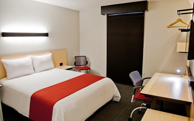 Hotel City Express Central de Abastos, amplias habitaciones con diseño minimalista