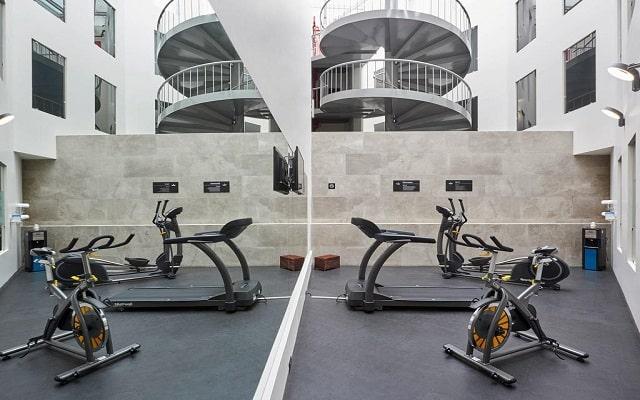 Hotel City Express Ciudad de México Aeropuerto, gimnasio bien equipado