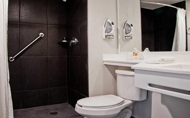 Hotel City Express Ciudad de México Aeropuerto, habitaciones con todas las amenidades