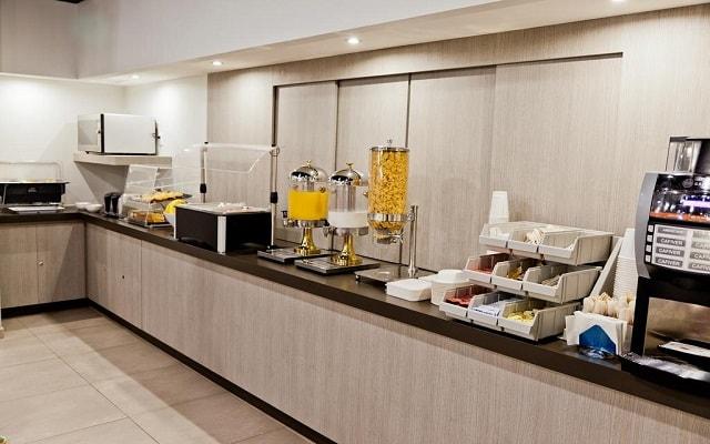 Hotel City Express Junior Cancún, variados menús para tu desayuno