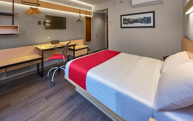 Hotel City Express La Raza, habitaciones bien equipadas