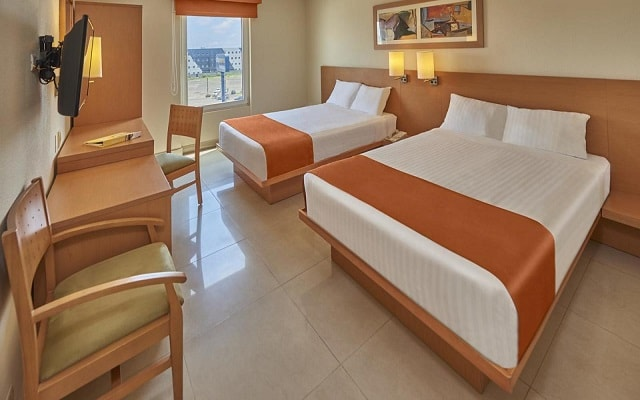 Hotel City Express Mazatlán, amplias y luminosas habitaciones
