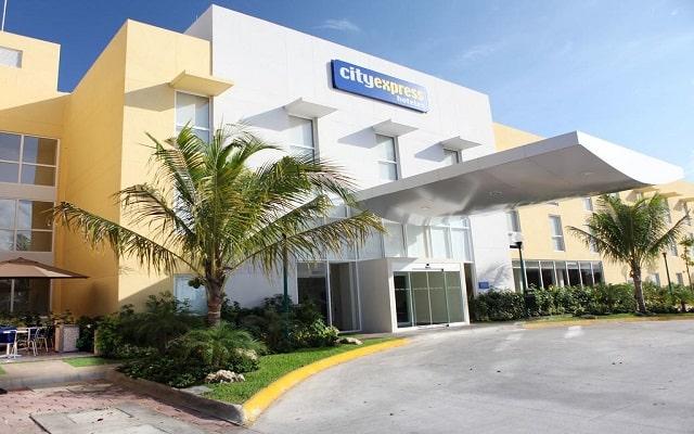 Hotel City Express Playa del Carmen, buen servicio