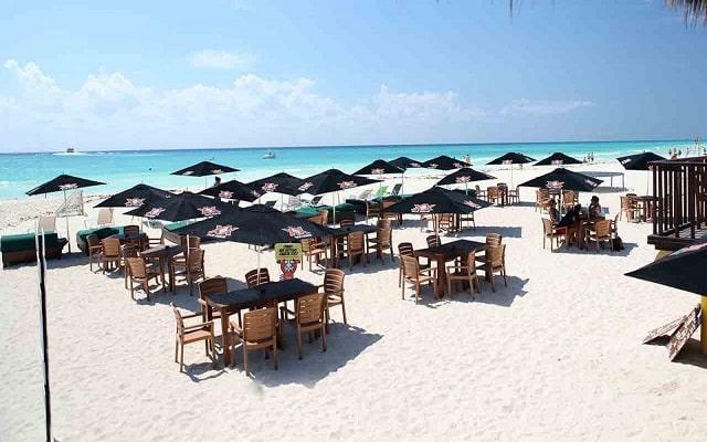 Hotel City Express Playa del Carmen, club de playa a 15 minutos