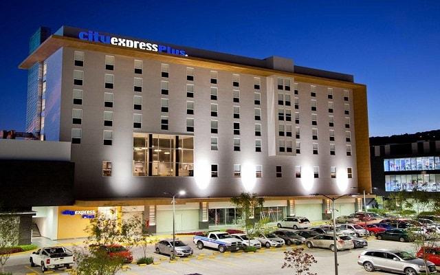 Hotel City Express Plus Guadalajara Palomar, buena ubicación
