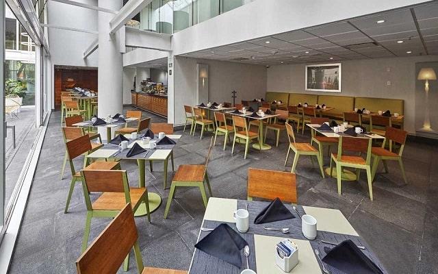 Hotel City Express Plus Reforma El Ángel, disfruta el desayuno cortesía del hotel